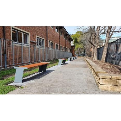 Paris Flat Bench - Wood Grain Ali - Western Red Cedar