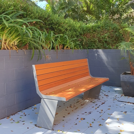 Paris Seat - Wood Grain Aluminium - Western Red Cedar